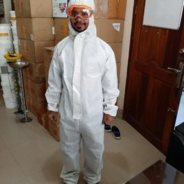 Safety suit in bangladesh washable Include hood PPE
